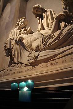 Prayer - Light a candle - Sanctuaire Basile Moreau